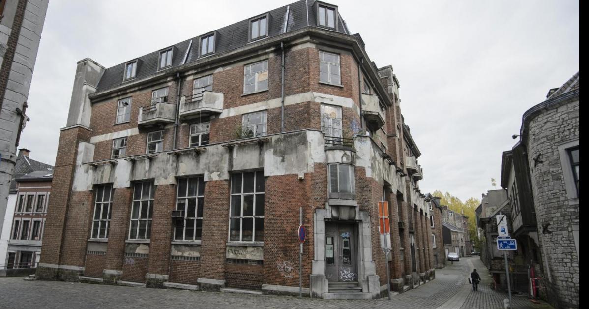 UrbaNEW'S N°1     - La Halle aux Poulets